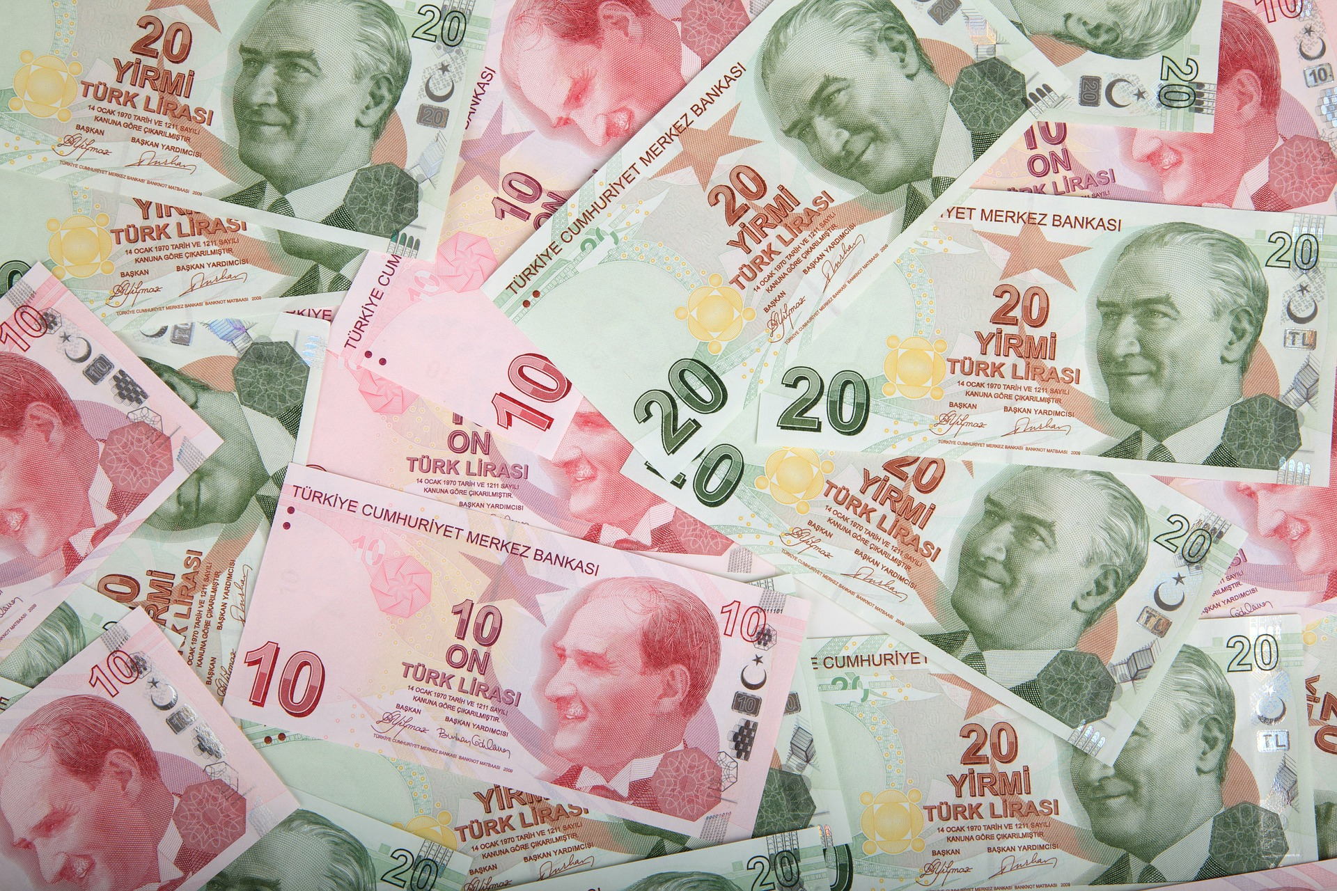 Photo of Turkish lira to be used for all real estate transactions