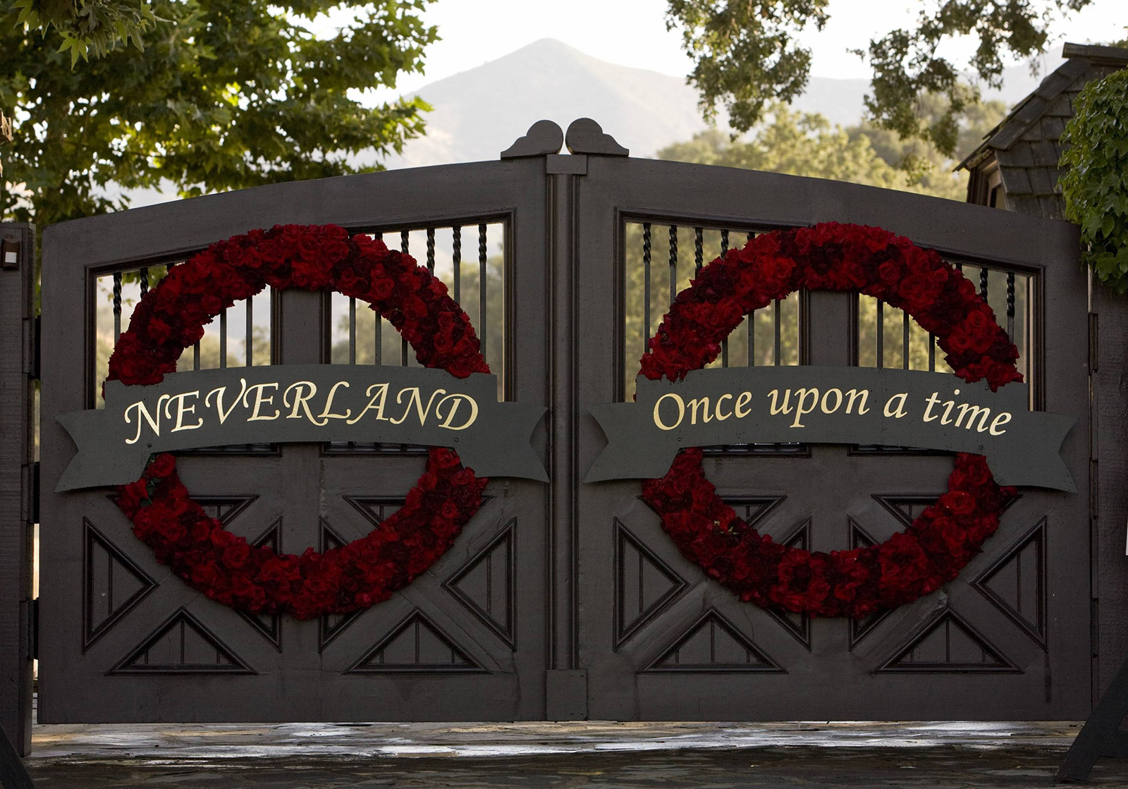 Photo of Neverland Ranch drops in price by $69 million